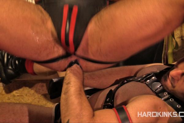 Gay Fisting: Toro Tyrk and Alberto de Palma