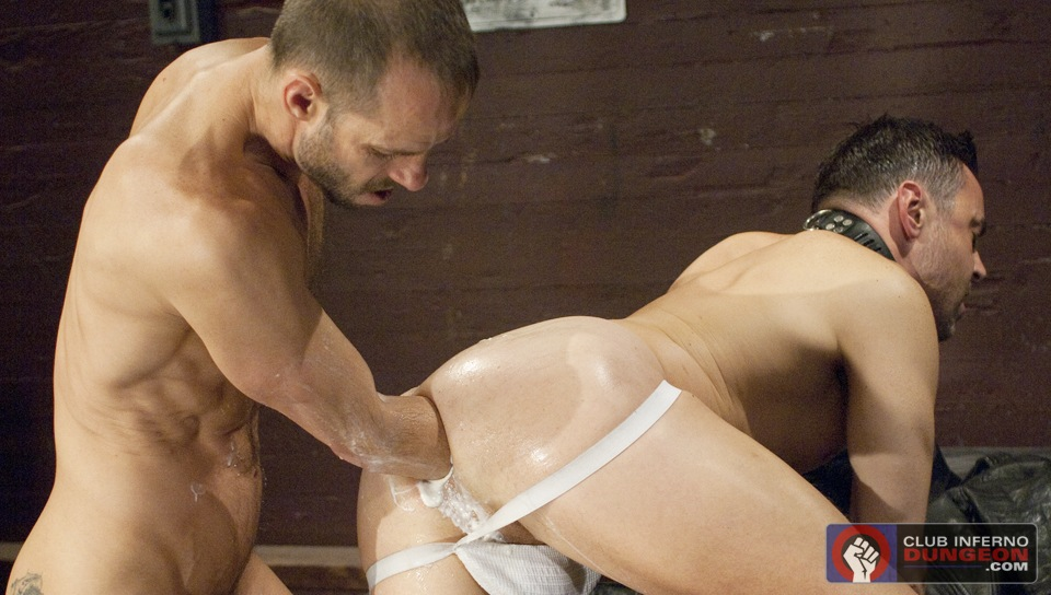 Gay Fisting: Michael Brandon Deep Inside Evan Matthews