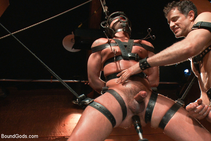 Gay BDSM: Master Avery and Dominic Pacifico