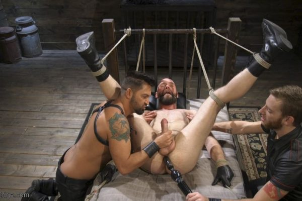 Edging Hunter Samson (Pictures) 8