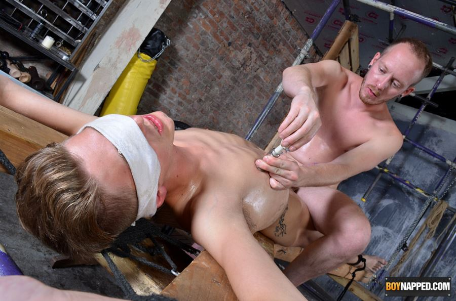 Master Sean Taylor Torments BDSM Slave Tristan Crown