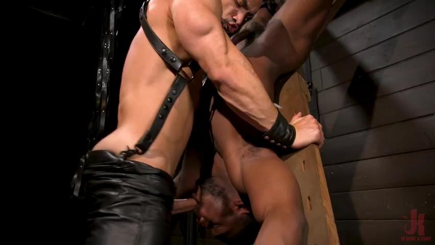 Master Arad Winwin Punishes Boot Licking Slave Parker Payne